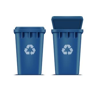Niebieski kosz na śmieci i śmieci na białym tle