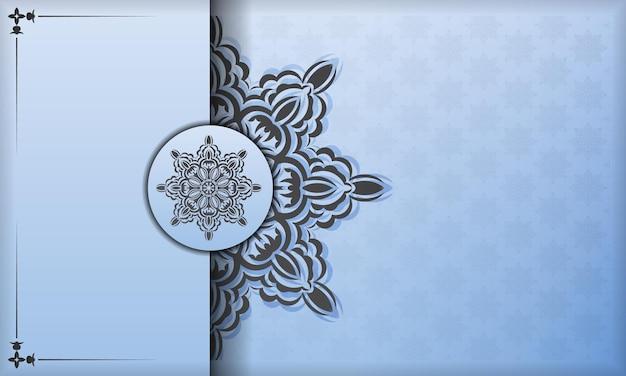Niebieski sztandar z luksusowymi czarnymi ornamentami i miejscem na swój projekt. szablon do druku zaproszenia do druku z rocznika wzorów.
