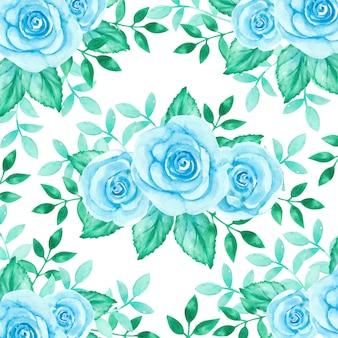 Niebieskie róże w tle kwiatów