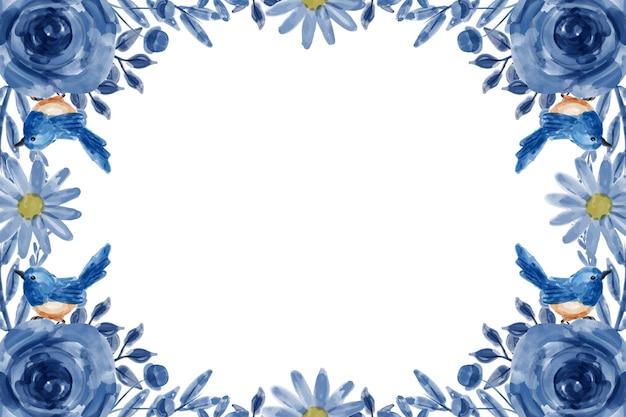 Niebieskie tło kwiatowe z akwarelą