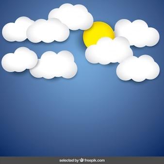 Niebieskim tle nieba z chmurami i słońcem