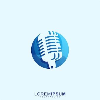 Niesamowite logo premium z mikrofonem radiowym