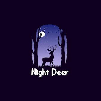 Nocny krajobraz w lesie z jelenia. jelenie o północy