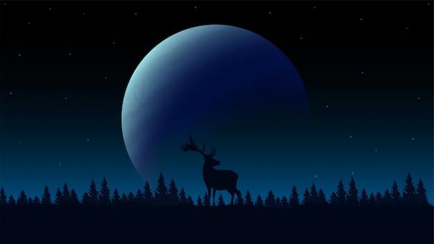 Nocny krajobraz z dużą planetą na horyzoncie, sylwetką sosnowego lasu i sylwetką jelenia na łące. krajobraz nocny niebieski