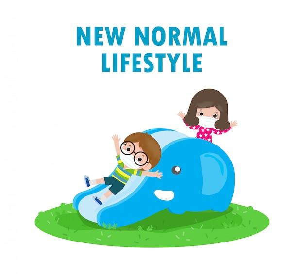 Nowa koncepcja normalnego stylu życia. szczęśliwe dzieci noszące maskę, zabawy na slajdzie w plac zabaw chronić koronawirusa covid-19, dzieci i przyjaciele z powrotem do szkoły na białym tle na białym tle ilustracji