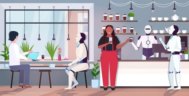 Nowoczesne roboty i ludzie w kawiarni