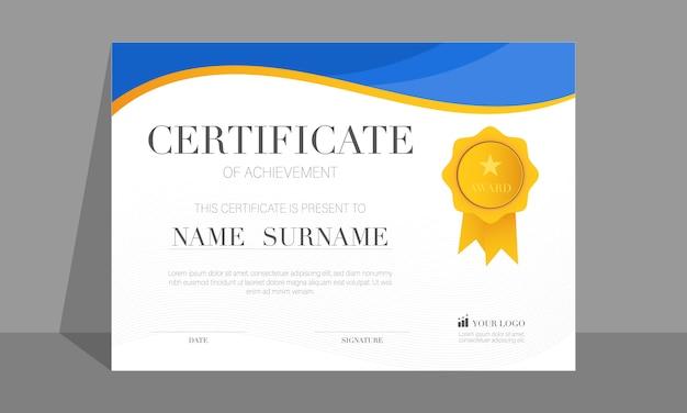 Nowoczesny certyfikat osiągnięcia szablonu ze złotą odznaką, kolorem niebieskim i złotym
