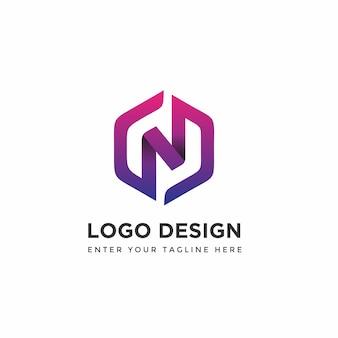 Nowoczesny n z szablonami do projektowania logo hexagon