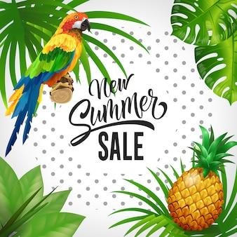 Nowy napis sprzedaż latem. tło tropików z liści, papugi i ananasa.