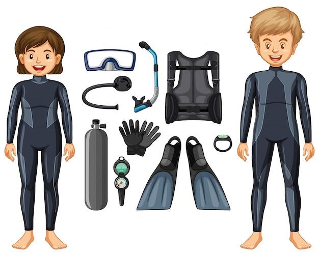 Nurkowie nurka w stroju kąpielowym i różnych urządzeniach