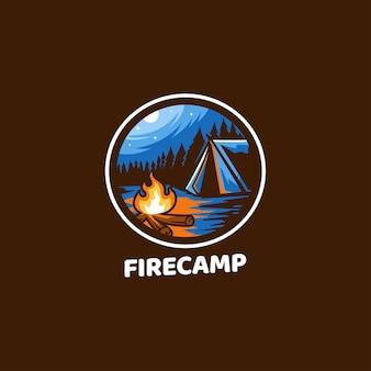 Obóz pożarowy na świeżym powietrzu, zwykle noc