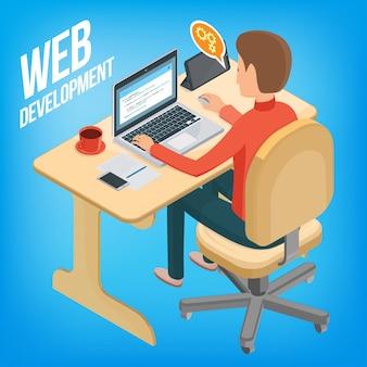 Obraz izometryczny śr. rozwój. mężczyzna siedzi przy biurku, pracując z laptopem.