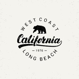 Odręczny napis california z niedźwiedziem.