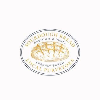 Odznaka ramki chleba na zakwasie lub szablon logo. ręcznie rysowane bochenek szkicu z retro typografii i obramowania. owalny emblemat vintage premium. odosobniony.