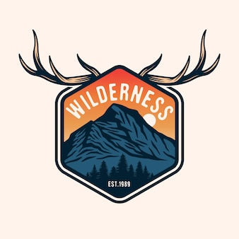 Odznaka z emblematem vintage polowanie i przygoda