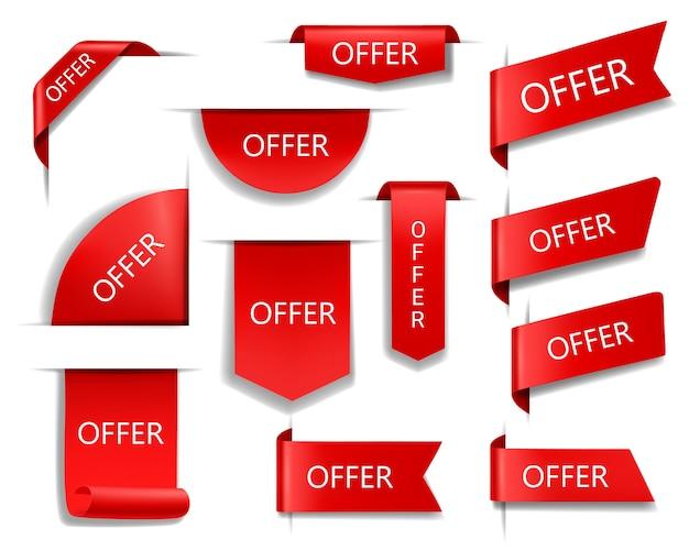 Oferuj czerwone banery, wstążki i etykiety. internetowe kąciki biznesowe, realistyczne banery promocyjne z okazji sprzedaży jedwabiu szkarłatnego, flagi handlowe, tagi, odznaki oferty sprzedaży lub zestaw ikon