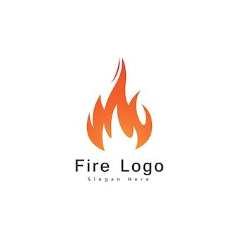 Ogień płomień logo projekt szablon wektor spadek sylwetka. creative droplet burn elegancki ognisko logotyp ogień ikona koncepcja logo.