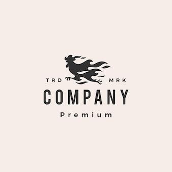 Ognisty kogut kurczaka działa hipster vintage logo