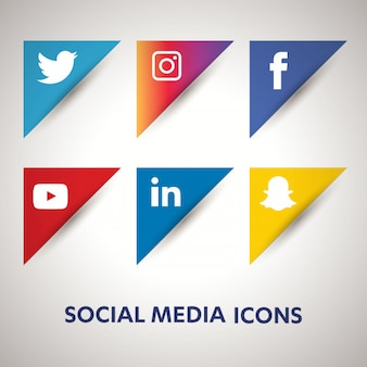 Ogólnospołeczne medialne ikony ustawiają sieci tło. uśmiechnięta twarz. udostępnij, polub, komentarz
