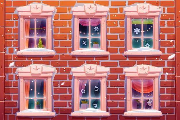Okna z dekoracją świąteczną