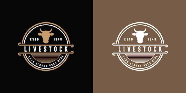 Okrągłe antyczne logo bydła w stylu vintage z głową bawołu, odpowiednie do steków z mięsa krowiego i kurczaka z kurczaka i mleka krowiego premium