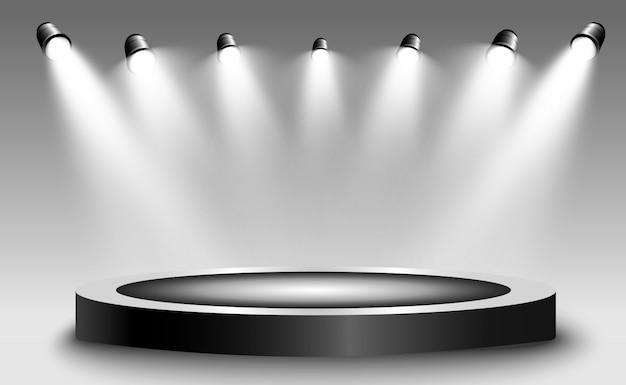 Okrągłe podium, cokół lub platforma, oświetlone reflektorami w tle. ilustracja. jasne światło. światło z góry. miejsce reklamowe