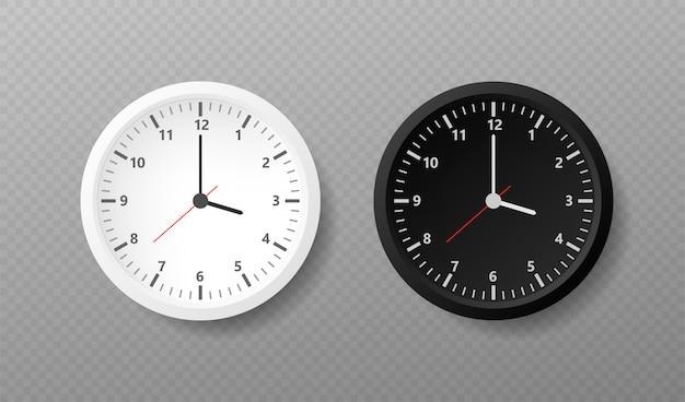 Okrągłe zegarki ze strzałkami czasu i tarczą zegarową.