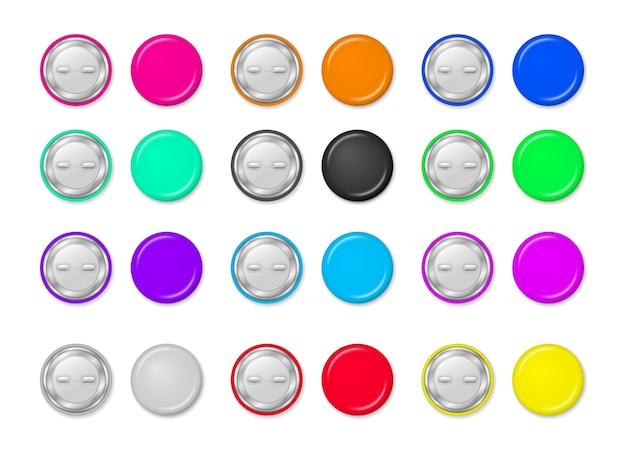Okrągły przypięty znaczek, błyszczący metalowy guzik, realistyczne broszki. kolekcja kolorowych przycisków szpilki na przezroczystym tle. styl 3d.