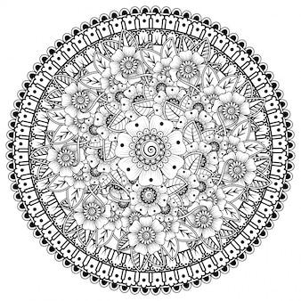 Okrągły wzór w formie mandali z kwiatkiem do henny, mehndi, tatuażu, dekoracji. dekoracja kwiatowa mehndi w etnicznym orientalnym stylu indyjskim.