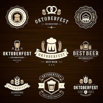 Oktoberfest odznaki i etykiety ustawiają zabytkowe szablony typograficzne