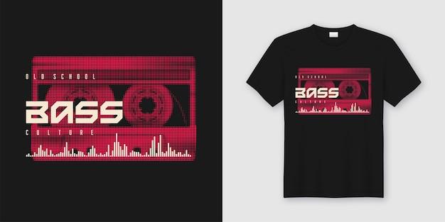Oldschoolowa koszulka i modna odzież ze stylową kasetą muzyczną, nadruk.