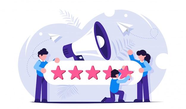 Opinie klientów. postacie ludzi dające pięć gwiazdek