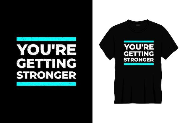 Otrzymujesz mocniejszy projekt koszulki typograficznej.