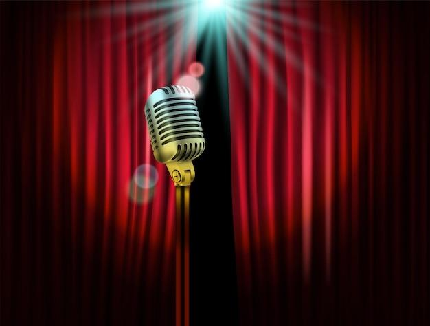 Otwierane zasłony sceniczne z błyszczącym mikrofonem. ilustracja wektorowa. szablon pokazu standup