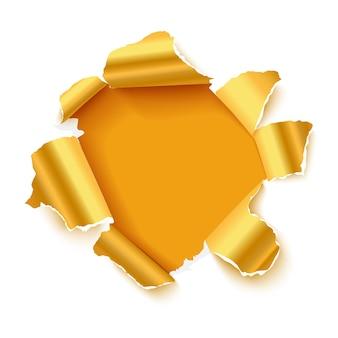Otwór w białym papierze z błyszczącym złotym rozdartym piaskiem z miejscem na tekst.