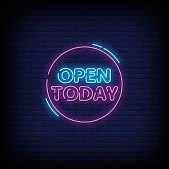 Otwórz dzisiaj szyld neon na ścianie z cegły