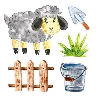 Owca, drewniany płot dla bydła, trawa, wiadro, łopata. clipart zwierząt gospodarskich, zestaw elementów. akwarela ilustracja.