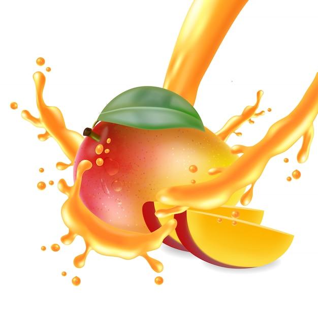 Owoce mango pokrojone z pluskiem soku