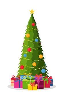 Ozdobiona choinka z dekoracjami z bombek i lampek, pudełka na prezenty. szczęśliwego nowego roku. koncepcja zimowych wakacji.