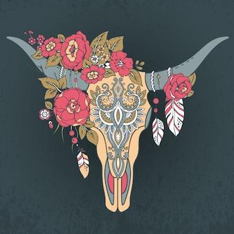 Ozdobna czaszka byka indyjskiego z ornamentem etnicznym