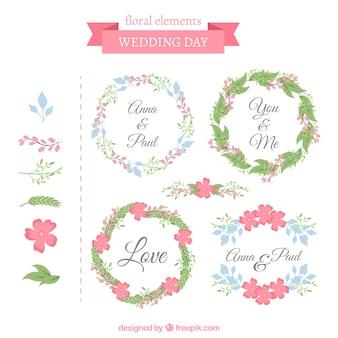 Ozdobne ramki ślubne z słodkimi kwiatami