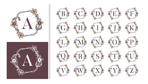 Ozdobny luksusowy monogram alfabetu z kwiatowymi ramkami