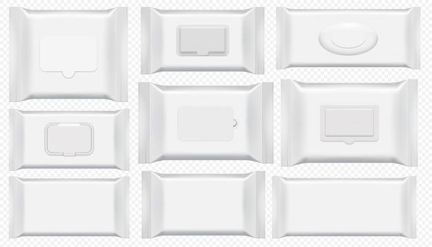 Pakiet chusteczek nawilżanych. zestaw na białym tle antybakteryjne wytrzeć szablon opakowania z tworzywa sztucznego. widok z góry puste białe pudełko na mokrą chusteczkę toaletową. kosmetyczna foliowa torba na przezroczystym tle