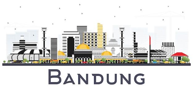 Panoramę miasta bandung indonesia z szarymi budynkami na białym tle. ilustracja wektorowa. podróże służbowe i koncepcja turystyki z zabytkową architekturą. bandung gród z zabytkami.