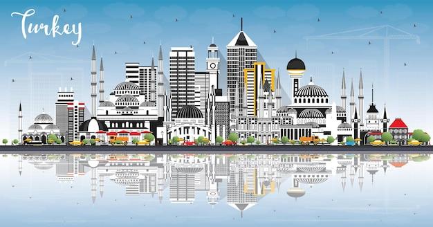 Panoramę miasta turcja z szarymi budynkami, błękitne niebo i refleksje. ilustracja. koncepcja turystyki z zabytkową architekturą. turcja pejzaż miejski z zabytkami