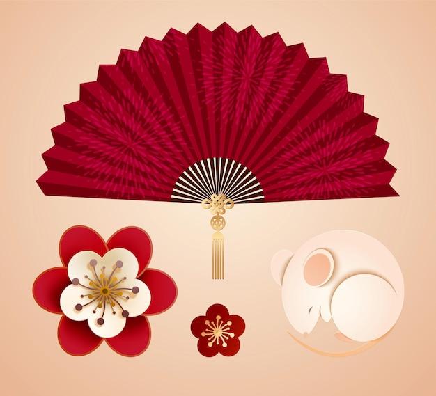 Papierowe elementy projektu w stylu artystycznym z białą myszką, kwiatami śliwki i wachlarzem papieru