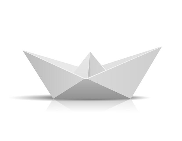 Papierowy statek na białym tle