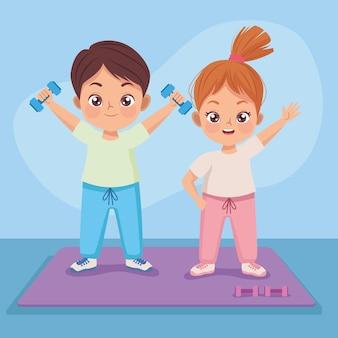 Para dzieci ćwiczących ćwiczenia