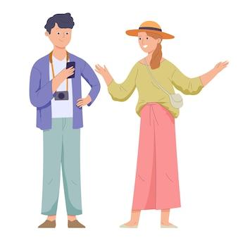 Para kochanków płci męskiej i żeńskiej w przypadkowych ubraniach podczas swobodnej podróży