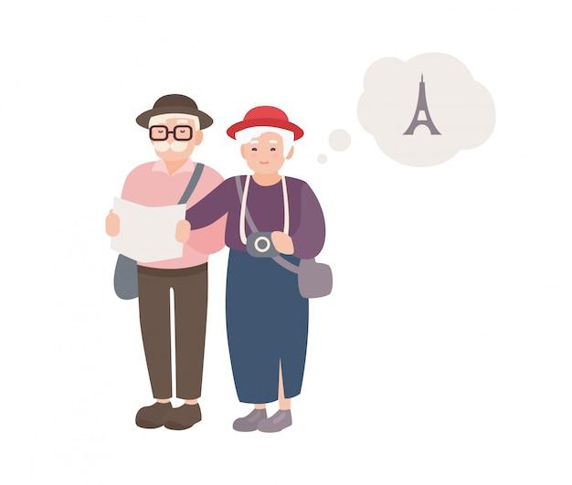 Para uśmiechniętych starszych turystów płci męskiej i żeńskiej z mapą. szczęśliwa staruszka podróżujący świat. dziadkowie na wakacjach we francji. postaci z kreskówek na białym tle. ilustracja.